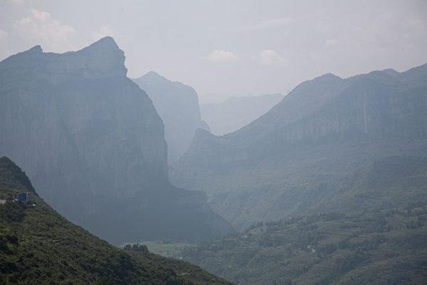 13편_토가족 산악지역 주행, 위험천만한 터널통과